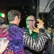 NLD/Amsterdam/20191114 - Uitreiking Esquires Best Geklede Man 2019, Bart Chabot feliciteerd Splinter Chabot die uitgeroepen is tot Best geklede Man 2019