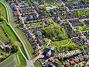 Nederland, Noord-Holland, Gemeente Edam-Volendam, 07-05-2021; Oosthuizen, Westeinde en Raadhuisstraat. Oostdijk van de Beemster.<br /> Grote Kerk Oosthuizen.<br /> <br /> luchtfoto (toeslag op standaard tarieven);<br /> aerial photo (additional fee required)<br /> copyright © 2021 foto/photo Siebe Swart.