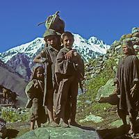 Kashmiri family in Warwan Valley.