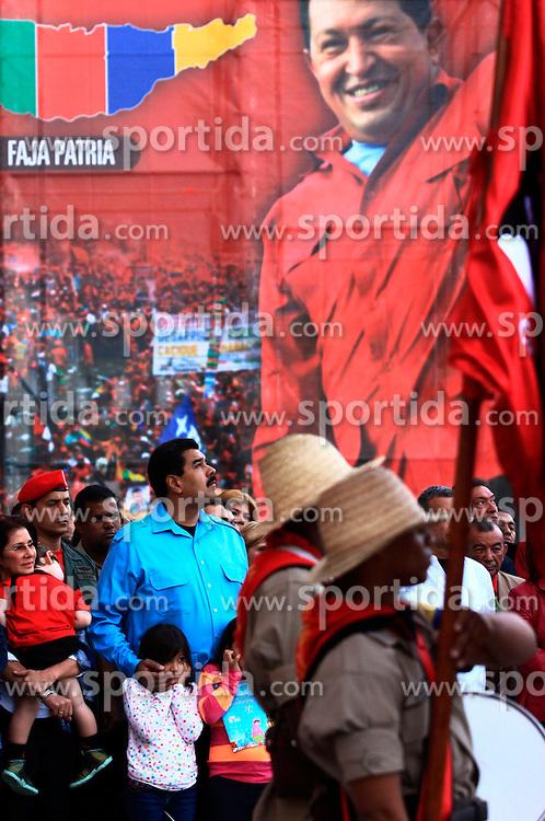 05.12.2013, Johannesburg, ZAF, Nelson Mandela, der Gigant des Humanismus ist im Alter von 95 Jahren in seinem Haus an den Folgen einer Lungenentzuendung gestorben, im Bild President Nicolas Maduro (C-Back), participates, tribute to late Venezuela's President Hugo Chavez, 9 months after his death, at the Mountain Barracks, Caracas, Venezuela // Nelson Mandela a giant of humanism died in his house in Johannesburg, South Africa on 2013/12/05. EXPA Pictures © 2013, PhotoCredit: EXPA/ Photoshot/ AVN<br /> <br /> *****ATTENTION - for AUT, SLO, CRO, SRB, BIH, MAZ only*****