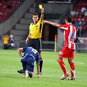 NLD/Amsterdam/20070802 - LG Amsterdams Tournament 2007, Ajax - Atletico Madrid, gele kaart voor Raul Garcia
