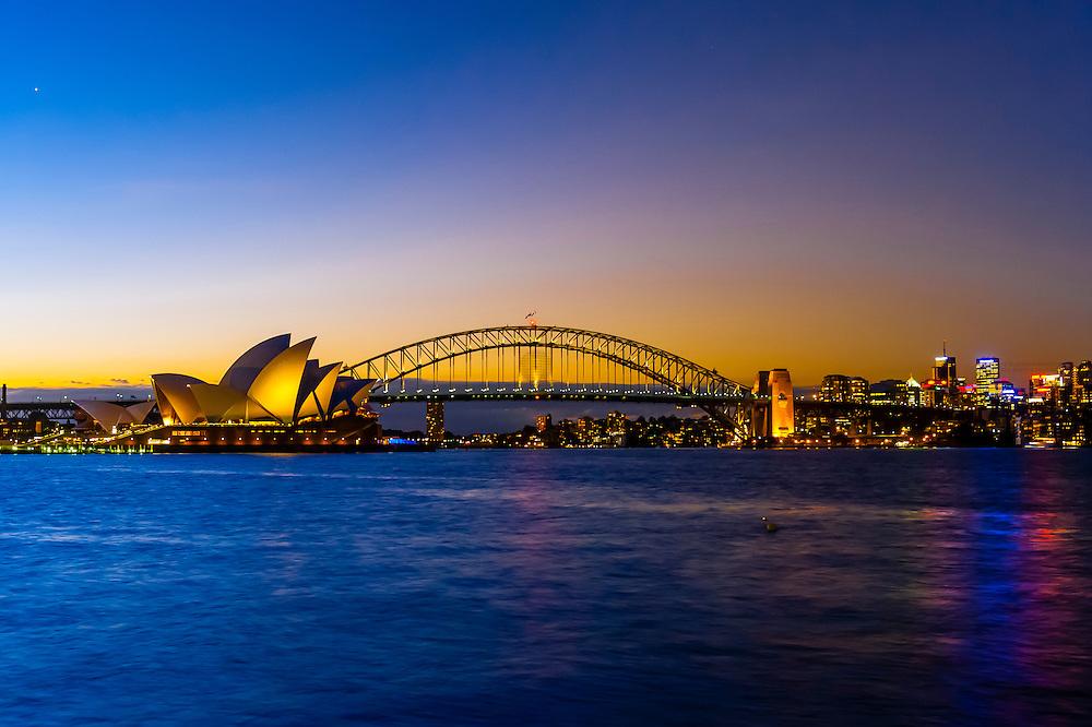 Twilight view of the Sydney harbor(Sydney Opera House and Sydney Harbour Bridge), Sydney, New South Wales, Australia