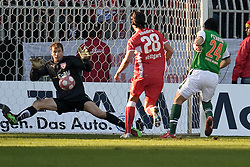 06.03.2010, Weserstadion, Bremen, GER, 1.FBL, Werder Bremen vs VFB Stuttgart, , im Bild Jens Lehmann (VFB #1) pariert den Schuss von Claudio Pizarro ( Werder  #24 )    EXPA Pictures © 2010, PhotoCredit: EXPA/ nph/  Kokenge / for Slovenia SPORTIDA PHOTO AGENCY.