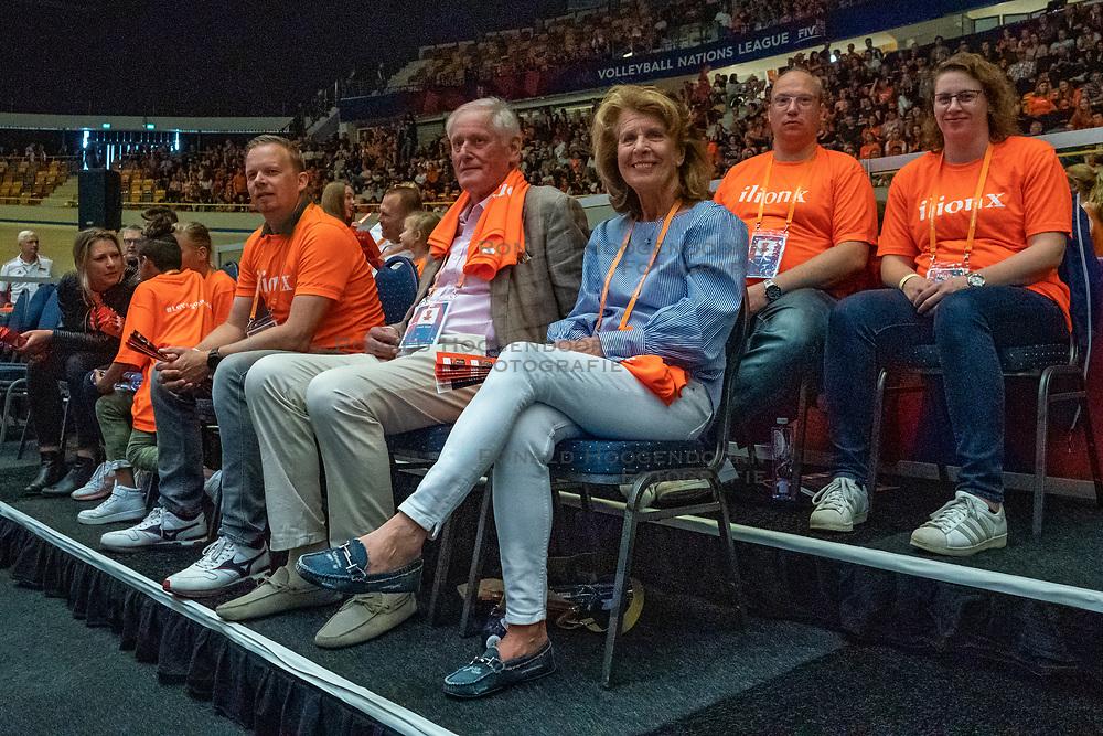30-05-2019 NED: Volleyball Nations League Netherlands - Poland, Apeldoorn<br /> VIP Hans Nieukerke