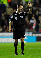 Photo: Leigh Quinnell/Sportsbeat Images.<br /> Reading v Arsenal. The FA Barclays Premiership. 12/11/2007. Referee Rob Styles.