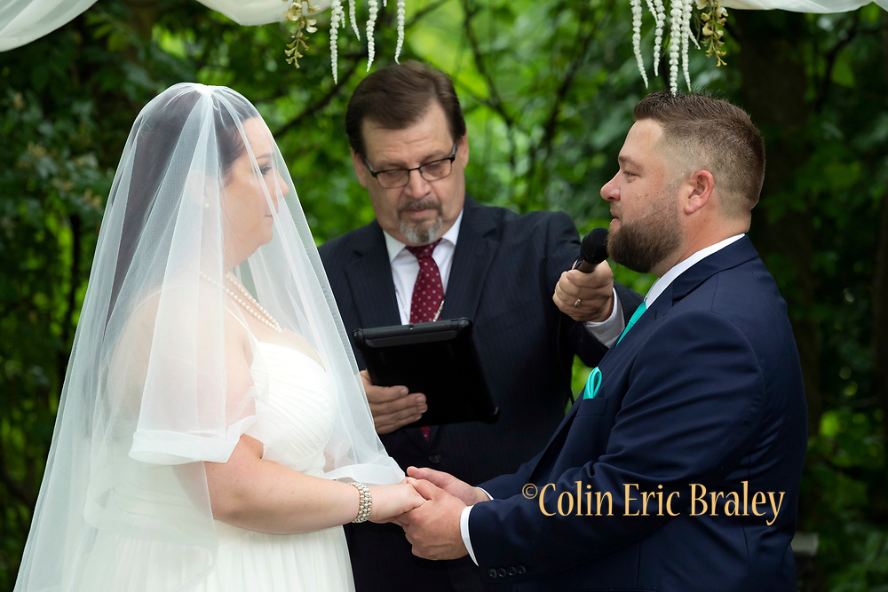 Experienced Kansas City Missouri Midwest Wedding Photographer. 5/18/19 Claire and Brandon wedding. Photos by Colin E. Braley