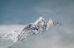 THEMENBILD - das schneebedeckte Kitzsteinhorn ragt aus dem Nebel, aufgenommen am 30. April 2020, Kaprun, Österreich // the snow-covered Kitzsteinhorn rises from the fog on 2020/04/30, Kaprun, Austria. EXPA Pictures © 2020, PhotoCredit: EXPA/ Stefanie Oberhauser