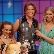 NLD/Hilversum/20070309 - 9e Live uitzending SBS Sterrendansen op het IJs 2007, Thomas Berge en danspartner Nina Ulanova bij Nance Coolen