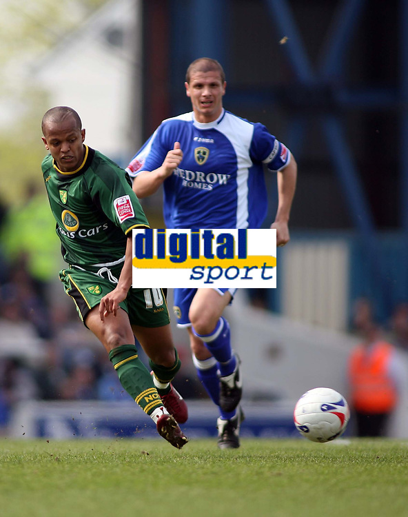 Rob Earnshaw, scorer of Norwichs opening goal breaks away for another attack
