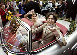 Justin Trudeau, son of the late Prime Minister Pierre Trudeau, leaves with his new bride Sophie Gregoire in his father's 1959 Mercedes 300 SEL after their marriage ceremony in Montreal Saturday, May 28, 2005.(CP PHOTO/Ryan Remiorz) /ABACAPRESS.COM  | 521043_033 MONTREAL Canada
