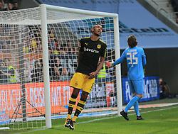 20170930, 1.BL, Bundesliga, FC Augsburg vs BVB Dortmund, WWK Arena Augsburg, Fussball, Sport im Bild:...Pierre- Emerick Aubameyang (BVB) wieder ohne Erfolg vs Marwin Hitz (FC Augsburg)..*Copyright by:  Philippe Ruiz..Postbank Muenchen.IBAN: DE91 7001 0080 0622 5428 08..Oberbrunner Strasse 2.81475 MŸnchen, .Tel: 089 745 82 22, .Mobil: 0177 29 39 408..( MAIL:  philippe_ruiz@gmx.de ) ..Homepage: www.sportpressefoto-ruiz.de. (Credit Image: © Philippe Ruiz/Xinhua via ZUMA Wire)