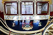Paleis Noordeinde en Koninklijke Stallen open voor het publiek.  ////  Noordeinde Palace and Royal Stables open to the public.<br /> <br /> Op de foto / On the photo:  Glazen Koets / glass Carriage