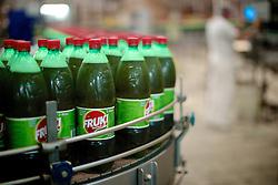 Linha de produção da empresa de refrigerantes Fruki, em Lajeado. FOTO: Jefferson Bernardes/Preview.com