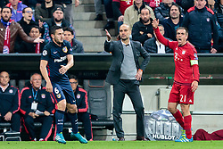 03.05.2016, Allianz Arena, Muenchen, GER, UEFA CL, FC Bayern Muenchen vs Atletico Madrid, Halbfinale, Rueckspiel, im Bild Koke (Atletico Madrid), Trainer Pep Guardiola (FC Bayern Muenchen), Philipp Lahm (FC Bayern Muenchen) // Koke (Atletico Madrid) Trainer Pep Guardiola (FC Bayern Muenchen) Philipp Lahm (FC Bayern Muenchen) during the UEFA Champions League semi Final, 2nd Leg match between FC Bayern Munich and Atletico Madrid at the Allianz Arena in Muenchen, Germany on 2016/05/03. EXPA Pictures © 2016, PhotoCredit: EXPA/ JFK