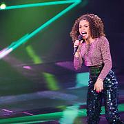 NLD/Hilversum/20151205- Eerste Live uitzending The Voice 2015, Natacha Carvalho