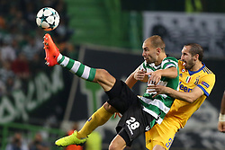 October 31, 2017 - Lisbon, Portugal - Sporting's forward Bas Dost from Holland (L) fights for the ball with Juventus' Italian defender Giorgio Chiellini during the UEFA Champions League football match Sporting CP vs Juventus at the Alvalade stadium in Lisbon, Portugal on October 31, 2017. (Credit Image: © Pedro Fiuza/NurPhoto via ZUMA Press)