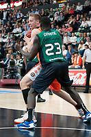Valencia BC's Justin Hamilton and Fiatc Joventut's Ousmane Drame during ACB match. October 18, 2015. (ALTERPHOTOS/Javier Comos)