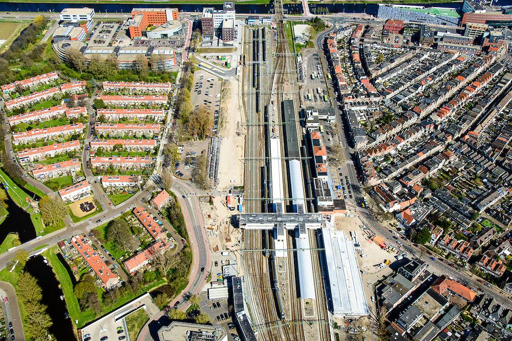 Nederland, Noord-Holland, Alkmaar, 20-04-2015; NS stadtion en de Spoorbuurt, noordwestelijk van de binnenstad.<br /> Station quarter, Alkmaar inner city.<br /> luchtfoto (toeslag op standard tarieven);<br /> aerial photo (additional fee required);<br /> copyright foto/photo Siebe Swart