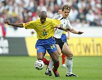 Fotball<br /> Landskamp<br /> Tyskland v Colombia<br /> 02.06.2006<br /> Foto: Witters/Digitalsport<br /> NORWAY ONLY<br /> <br /> v.l. Luis Amaranto Perea, Miroslav Klose Deutschland<br /> Laenderspiel Deutschland - Kolumbien 3:0