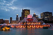 Chicago's Buckingham Fountain against the Chicago skyline at twilight