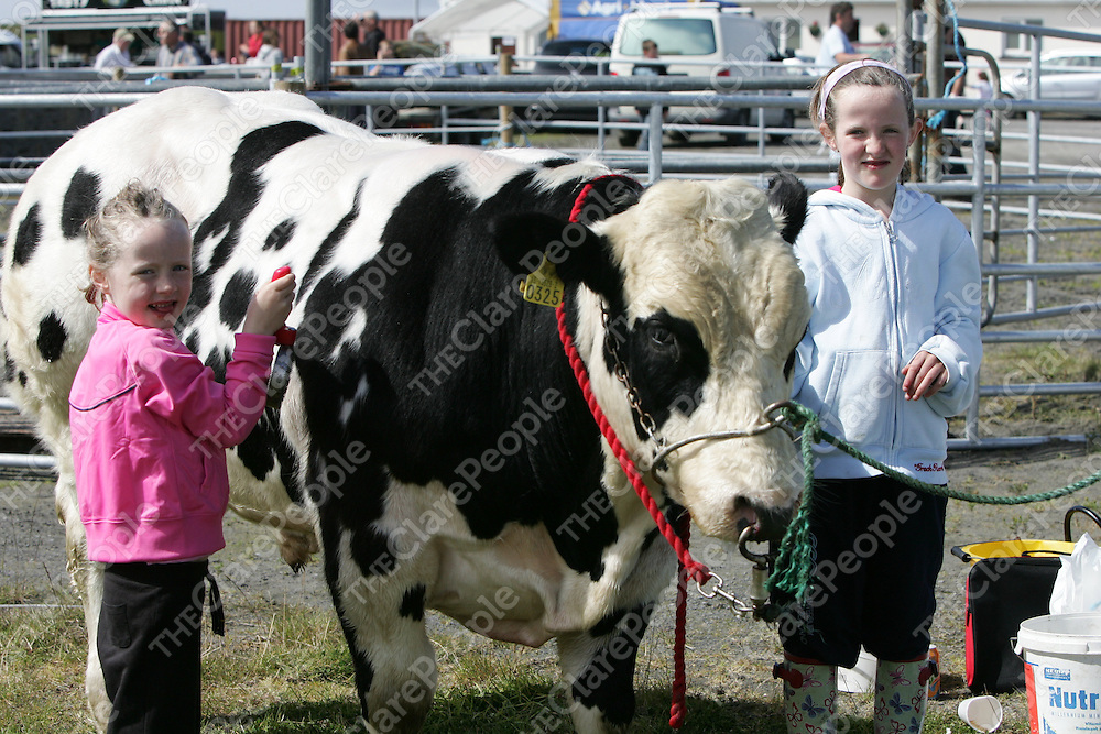 PIctured at the Mullagh show in County clare on Sunday 21st August 2011 were Ellen & Niamh O'Gorman (Cooraclare)<br /> Emma Jervis Press 22