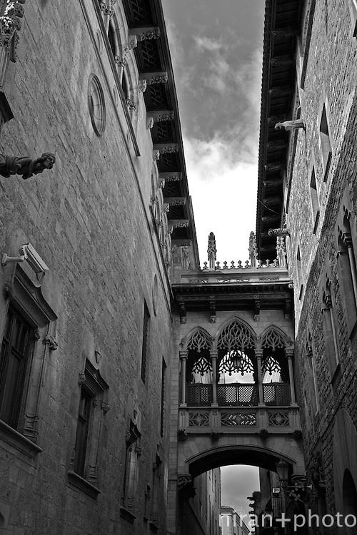 Bario Gotic Alleyway