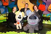 Premiere Woezel & Pip - Alles is fijn in de Stadschouburg, Leiden.<br /> <br /> Op de foto:  (VLNR) Jaqueline Goedmakers, Dinand Woesthoff en Koen Iking