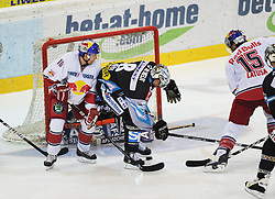 10.09.2010, Keine Sorgen Eisarena, Linz, AUT, EBEL, EHC Liwest Linz vs EC Red Bull Salzburg, im Bild Manuel Latusa (EC Red Bull Salzburg, #15) vor dem Linzer Tormann Alex Westlund (Liwest Black Wings, #32) bedraengt von Michael Mayr (Liwest Black Wings, #8), EXPA Pictures © 2010, PhotoCredit: EXPA/R.Eisenbauer / SPORTIDA PHOTO AGENCY