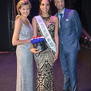 NLD/Scheveningen/20180710 - Finale van Miss Nederland verkiezing 2018, Rahima Dirkse met Kim Kotter en Viktor Brand
