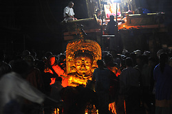 May 9, 2017 - Kathmandu, Nepal - Nepalese devotees offering ritual prayer infront of chariot of Rato Machindranath at Lagankhel, Laltipur, Nepal on Tuesday, May 09, 2017. Rato Machindranath is also said as the 'god of rain' and both Hindus and Buddhists worship the Machindranath in hope of good rain to prevent drought during the rice plantation season. (Credit Image: © Narayan Maharjan/Pacific Press via ZUMA Wire)
