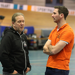 27-12-2017: Wielrennen: NK Baan: Alkmaar <br />Bill Huck en assistent Hugo Haak