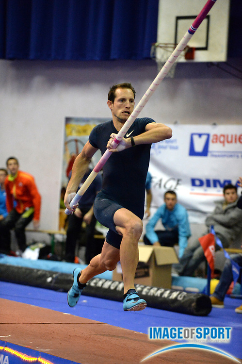 Dec 21, 2013; Aulnay Sous Bois, France; Renaud Lavillenie (FRA) wins the pole vault in the Perche Elite meeting at 19-5 1/2 (5.93m). Photo by Jiro Mochizuki