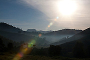 Pedra Bonita_MG, Brasil...Amanhecer em uma paisagem rural em Pedra Bonita...The daybreak in the rural landscape in Pedra Bonita...Foto: LEO DRUMOND / NITROO