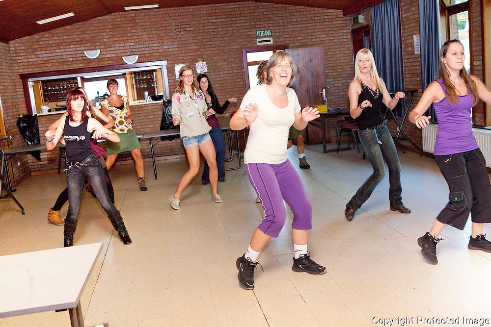 365018-benefiet Miranda Buytaert - zumbaoptreden door Lesley Van den Broeck - Bekaflaan 51 Aarschot