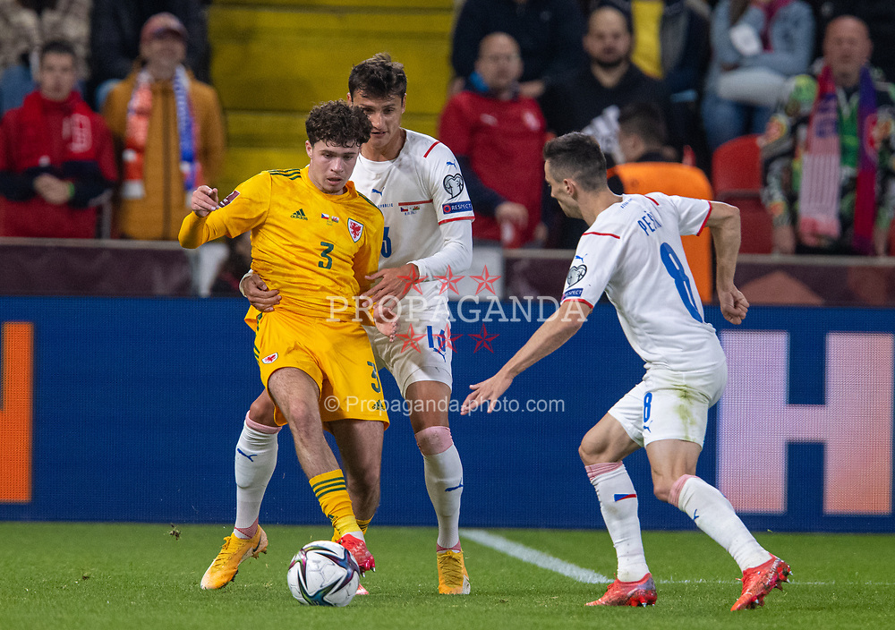 PRAGUE, CZECH REPUBLIC - Friday, October 8, 2021: Wales' Neco Williams (L) is challenged by Czech Republic's Aleš Matějů during the FIFA World Cup Qatar 2022 Qualifying Group E match between Czech Republic and Wales at the Sinobo Stadium. The game ended in a 2-2 draw. (Pic by David Rawcliffe/Propaganda)