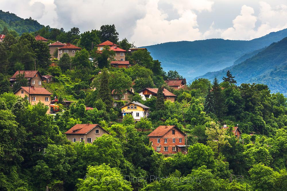 Small village along the Iskar river defile