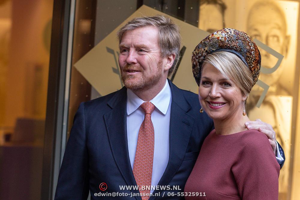 NLD/Amsterdam/20200218 -  Koningspaar bij seminar 'indonesia and the Netherlands, aankomst Koningspaar Willem-Alexander en Maxima gearmd