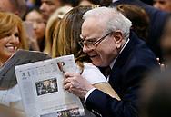 Berkshire Hathaway CEO Warren Buffett (R) hugs friend former model Kathy Ireland before the Berkshire Hathaway annual meeting in Omaha, Nebraska, U.S. May 6, 2017. REUTERS/Rick Wilking