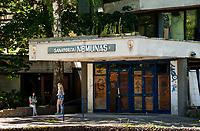 06.06.2015 Druskieniki Litwa Najwieksze i najnowoczesniejsze uzdrowisko na Litwie , jedno z najlepszych uzdrowisk klimatycznych i balneologicznych w Europie . Wystepuja tu liczne zrodla mineralne i poklady borowiny . Znajduje sie tu 9 sanatoriow i centrum balneologiczne n/z opuszczony budek sanatorium Nemunas ( Nieman ) z czasow ZSRR ** LITHUANIA, DRUSKININKAI : Lithuania ( Baltic States ) , Alytus County , Druskininkai ** fot Michal Kosc / AGENCJA WSCHOD
