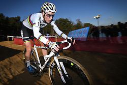 February 10, 2018 - Lille, BELGIUM - Belgian world champion Sanne Cant pictured in action during the women's elite race of the Krawatencross cyclocross in Lille, the eighth and last stage in the DVV Verzekeringen Trofee Cyclocross competition, Saturday 10 February 2018. BELGA PHOTO DAVID STOCKMAN (Credit Image: © David Stockman/Belga via ZUMA Press)