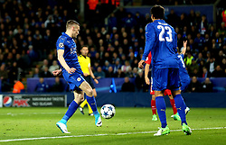 Jamie Vardy of Leicester City scores a goal - Mandatory by-line: Robbie Stephenson/JMP - 18/04/2017 - FOOTBALL - King Power Stadium - Leicester, England - Leicester City v Atletico Madrid - UEFA Champions League Quarter-Final Second Leg
