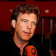 NLD/Amsterdam/201001211 - CD presentatie Jurk van Jeroen van Koningsbrugge en Dennis van der Ven, John de Mol