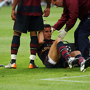 NLD/Amsterdam/20070802 - LG Amsterdams Tournament 2007, Lazio Roma - Arsenal, Robin van Persie gewond op de grond