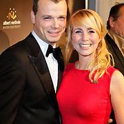 NLD/Den Haag/20111201- Premiere Ramses, Alexandra Alphenaar en partner Jaap van Andel