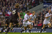 Twickenham. Surrey. UK England vs New Zealand, Autumn Internationals.<br /> Jason ROBINSON, supported by Jame SIMPSON-DANIEL, running with the ball.<br /> 09/11/2002<br /> International Rugby England vs New Zealand [Mandatory Credit Peter SPURRIER/Intersport Images]