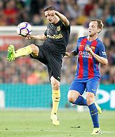 FC Barcelona's Ivan Rakitic (r) and Atletico de Madrid's Koke Resurrecccion during La Liga match. September 21,2016. (ALTERPHOTOS/Acero)