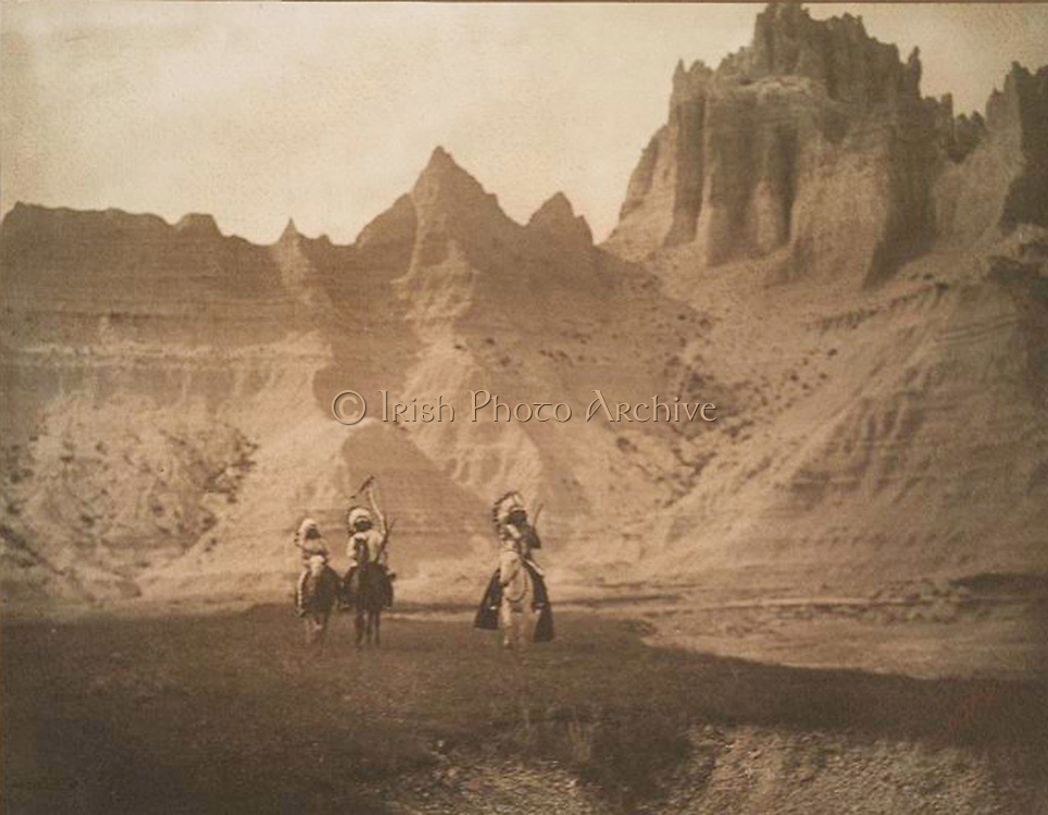 Sheep Mountain. Native American Indian Sioux mountain sheep hunters in the Bad Lands of South Dakota c1905.