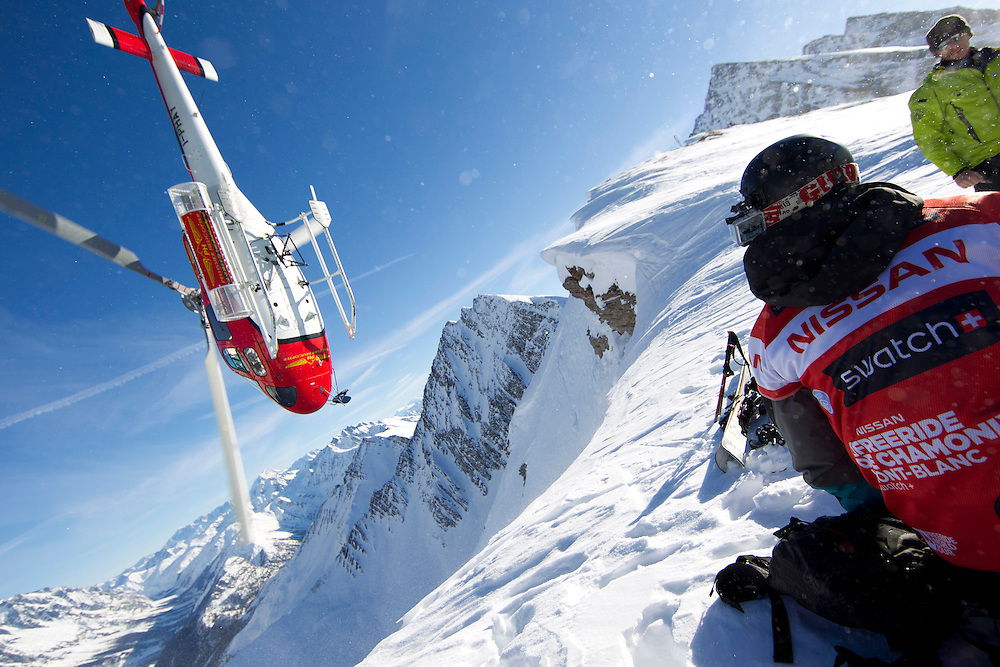 EVENT: NISSAN FREERIDE DE CHAMONIX-MONT-BLANC 2011 BY SWATCH, PARTNER: NISSAN, PARTNER: SWATCH, STYLE: LIFESTYLE > STYLE.Freeride World Tour 2011 - Six locations around the world, Chamonix Mont-Blanc, Engadin St Moritz, Sochi, Kirkwood, Fieberbrunn and Verbier have been selected for the 4th edition of the Freeride World Tour..The planet's top freeride skiers and snowboarders, men and women travel around the world to prove their skills on some of the most challenging faces..www.freerideworldtour.com