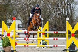 08.1, Youngster-Springprfg. Kl. M* 6+7j. Pferde, Ehlersdorf, Reitanlage Jörg Naeve, 29.04. - 02.05.2021,, Jan Philipp Schultz (GER), Catoar,