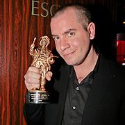 NLD/Amsterdam/20110328 - Uitreking Rembrandt Awards 2011, Jeroen van Koningsbrugge met zijn Rembrandt award